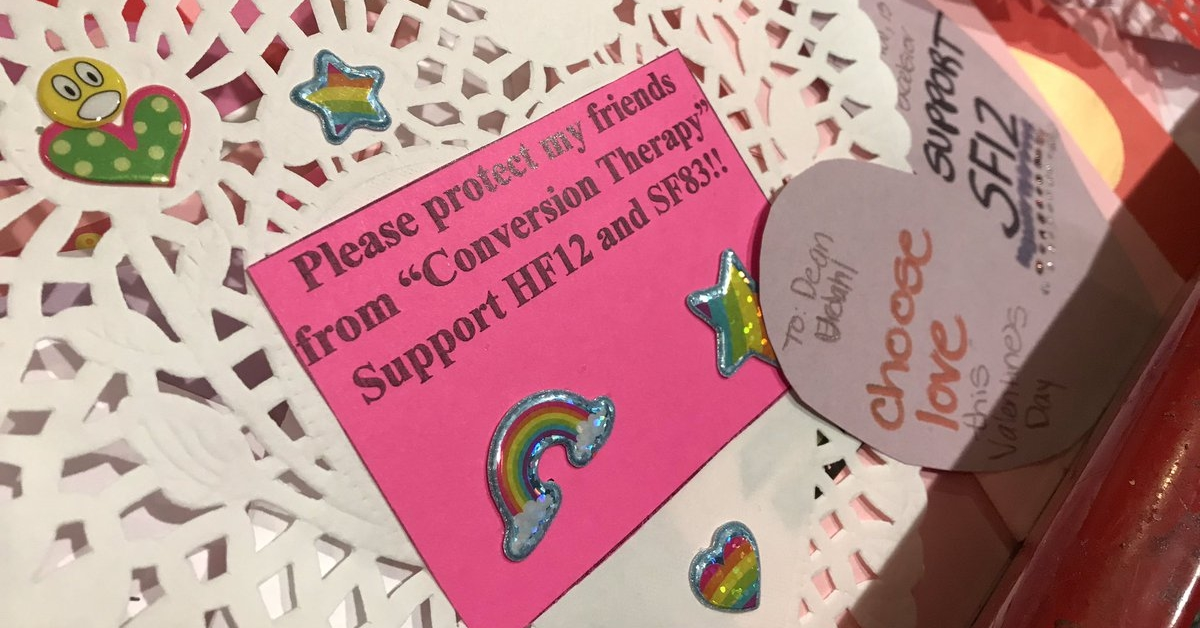 Minnesota activists use Valentine's cards in bid to ban gay 'cure' therapy