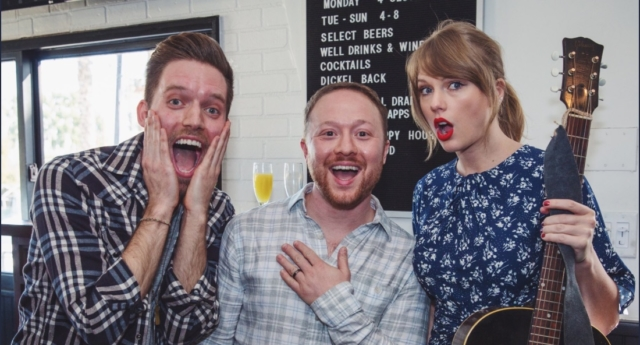 Taylor Swift performs surprise serenade at couple's engagement party