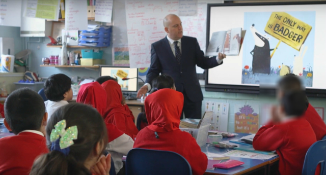 Andrew Moffat teaches LGBT-inclusive lessons at Parkfield Community School. (Varkey Foundation/YouTube)