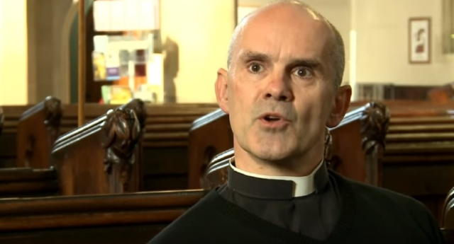 Oxford college appoints married gay vicar as chaplain