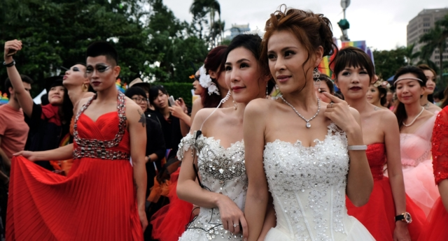 Same-sex marriage registration now open in Taipei
