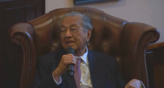 Malaysia PM Mahathir Mohamad: Gays shouldn't get married because they can't have kids