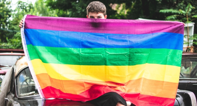 US high schoolers suspended for burning Pride flag, yelling 'all gays die'