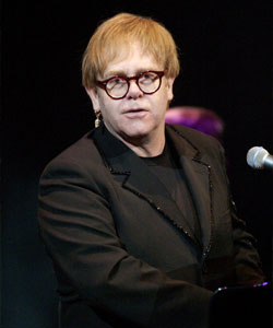 Elton John has been been talks to appear on Glee