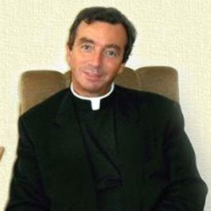Monsignor Tommaso Stenico's photograph was released by PapaNews