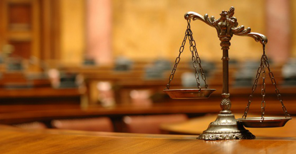 Gay student suing school after expulsion – PinkNews – Gay