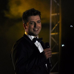 Westlife singer Mark Feehily announced he is expecting his first child