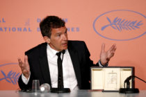 Antonio Banderas gesticulating during a press conference