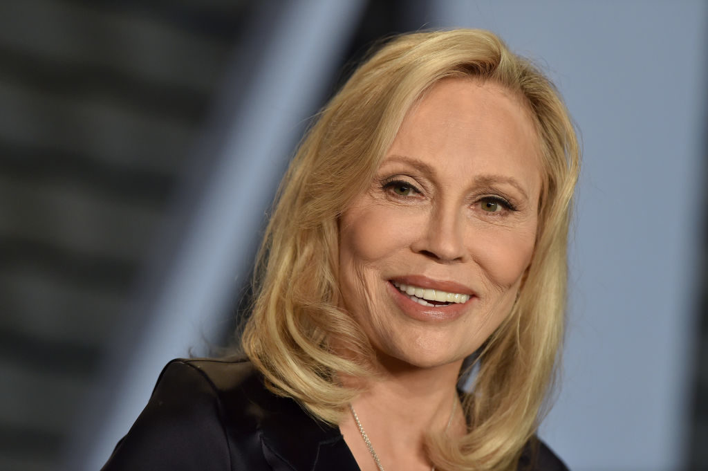 Faye Dunaway sued for allegedly calling assistant 'a little homosexual boy'