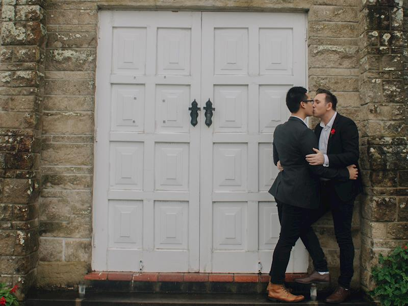 Gay couple in New Zealand crowdfunding for IVF so they can start a family